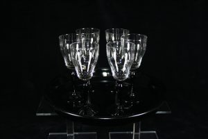 D03014 – Seven-piece Art Deco glass set of tray with...