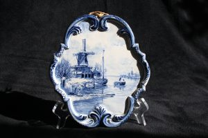 E12003 –  Delft Blue plaque by Jacobus ten Zweege...