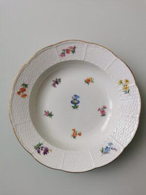 99999 – A vintage Meissen porcelain blue bindweed botanical plate.